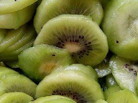 猕猴桃酸野-广西水果酸野猕猴桃现做现卖小吃图片